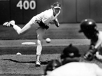 A's pitcher Bob Welch (1988 photo by Ron Riesterer).