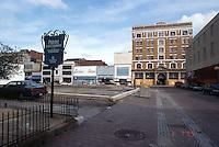 1995 March 08..Redevelopment...Tidewater Community College..TCC PROGRESS & DRAWINGS.BEFORE.PV1....NEG#.NRHA#..