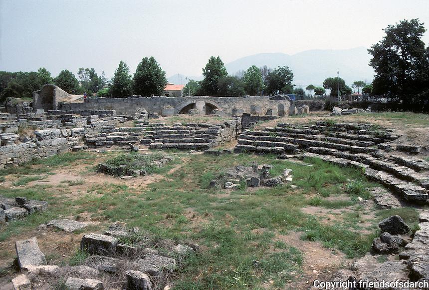 Italy: Paestum--Circular building for Public Meetings--Hellenistic period. Photo '83.