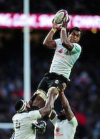 Leone Nakarawa of Fiji wins the ball at a lineout. Old Mutual Wealth Series International match between England and Fiji on November 19, 2016 at Twickenham Stadium in London, England. Photo by: Patrick Khachfe / Onside Images
