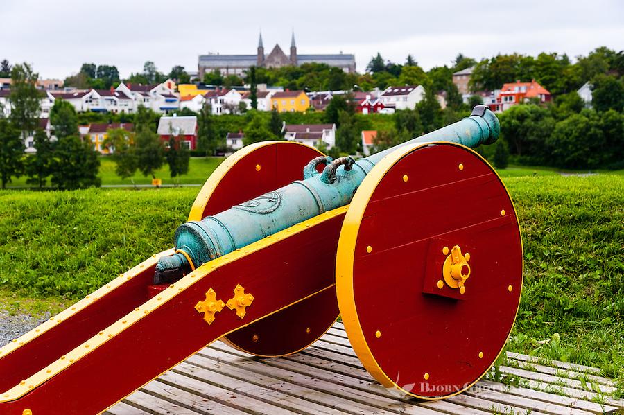 Norway, Sør-Trøndelag, Trondheim. Cannon outside Nidaosdomen.