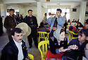 Irak 2000.la cafeteria de l'université d'Erbil.       Iraq 2000.The cafeteria in Erbil's university