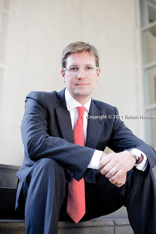 Thomas Hutson-Wiley images - Senior VP Investments - Merrill Lynch