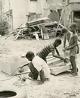 1968 August 29..Redevelopment.E Ghent North (A-1-2)..Children in East Ghent.Slum Conditions..Dennis Winston.NEG# DRW 68-25-1.NRHA#..
