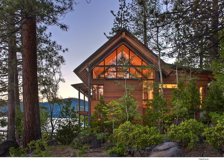 Residential home 65 shoreline by bohlin cywinski jackson for Living on a mountain