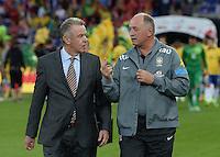 FUSSBALL  INTERNATIONAL  Testspiel Schweiz - Brasilien    14.08.2013 Trainer Ottmar HITZFELD (li, Schweiz) und Trainer Luiz Felipe SCOLARI (Brasilien) im Gespraech