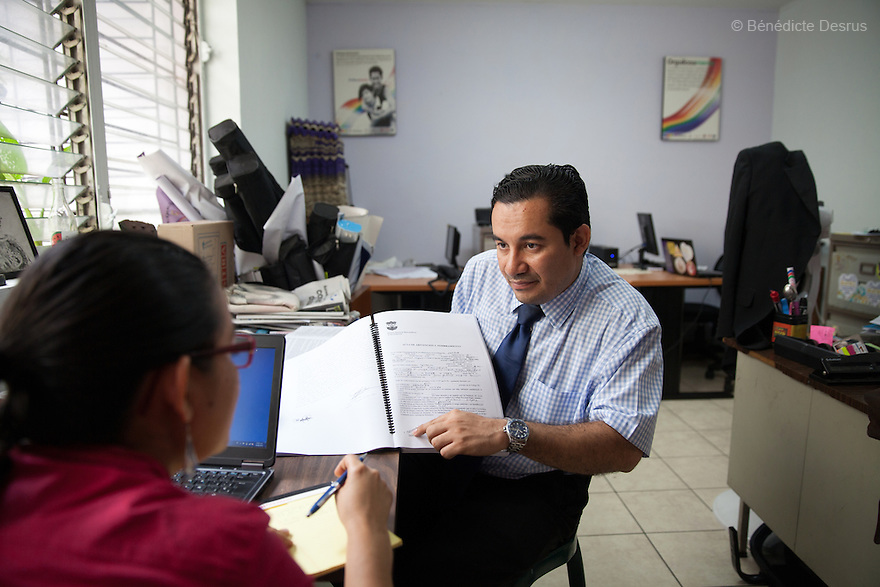 "Dennis Estanley Muñoz Rosa, a lawyer working with rights groups to free women in prison on abortion charges, during a meeting at ""La Casa de Todas"" in San Salvador, El Salvador on June 10, 2015. Abortion in El Salvador is illegal. The law formerly permitted an abortion to be performed under some limited circumstances, but, in 1998, all exceptions were removed when a new abortion law went into effect. Photo by Bénédicte Desrus"
