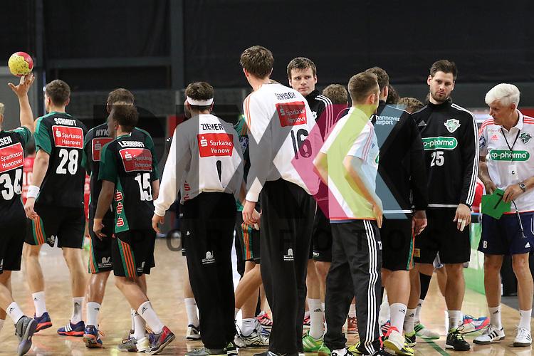 Bremen, 09.08.15, Sport, Handball, Erima-Cup 2015, MT Melsungen-TSV Hannover-Burgdorf :<br /> <br /> Foto &copy; P-I-X.org *** Foto ist honorarpflichtig! *** Auf Anfrage in hoeherer Qualitaet/Aufloesung. Belegexemplar erbeten. Veroeffentlichung ausschliesslich fuer journalistisch-publizistische Zwecke. For editorial use only.