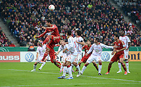 FUSSBALL  DFB POKAL       SAISON 2012/2013 FC Bayern Muenchen - 1 FC Kaiserslautern  31.10.2012 Emre Can (FC Bayern Muenchen) gegen Enis Hajri (1. FC Kaiserslautern) gegen Claudio Pizarro (FC Bayern Muenchen)