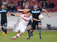 FUSSBALL   INTERNATIONAL   UEFA EUROPA LEAGUE   SAISON 2012/2013    Achtelfinale Hinspiel VfB Stuttgart - Lazio Rom      07.03.2013 Lorik Cana (re, Lazio Rom) gegen Shinji Okazaki (VfB Stuttgart)
