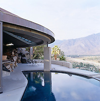 From the terrace swimming pool throughout the day there are five different mountain ranges that light up