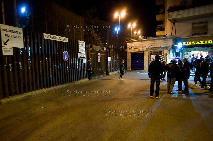 Roma 10 Marzo 2012.Presidio a piazzale Clodio davanti al Tribunale in occasione del processo ai 4 arrestati per la protesta al CIPE