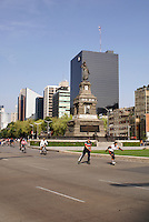 Rollerbladers and bicyclists on Paseo de la Reforma, Mexico City
