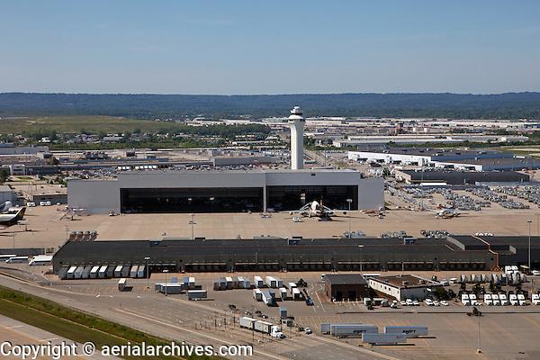 aerial photograph, Louisville International Airport, Sandiford Field, SDF, Louisville, Kentucky