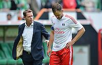 FUSSBALL   1. BUNDESLIGA   SAISON 2012/2013   2. Spieltag SV Werder Bremen - Hamburger SV                     01.09.2012         Trainer Frank Arnesen (li, Hamburg) und Heiko Westermann (re, beide Hamburger SV) sind nach dem Abpfiff enttaeuscht