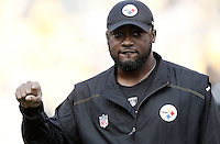 PITTSBURGH, PA - OCTOBER 30: Head coach Mike Tomlin of the Pittsburgh Steelers watches his team warm up prior to the game against the New England Patriots on October 30, 2011 at Heinz Field in Pittsburgh, Pennsylvania.  (Photo by Jared Wickerham/Getty Images)