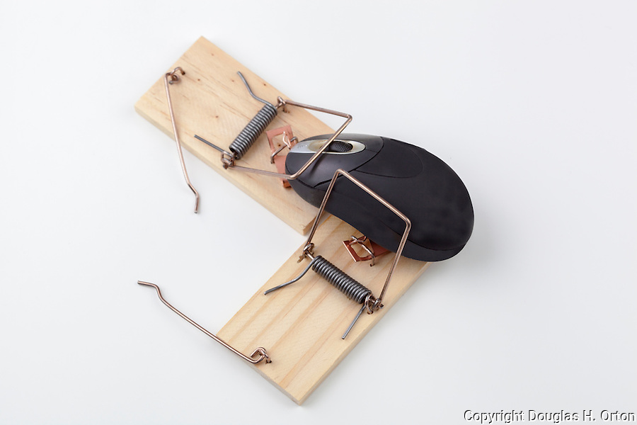 how to clean mouse traps