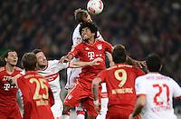 FUSSBALL   1. BUNDESLIGA  SAISON 2012/2013   19. Spieltag   VfB Stuttgart  - FC Bayern Muenchen      27.01.2013 Dante (Mitte, FC Bayern Muenchen) gegen Georg Niedermeier (Mitte hintenVfB Stuttgart)