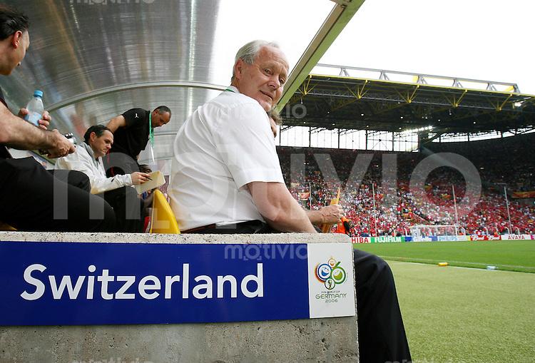 Fussball WM 2006  Gruppenspiel  Vorrunde   Togo - Schweiz Koebi KUEHN (SUI) im Dortmunder Stadion
