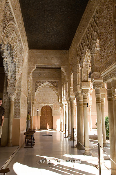 arabian palace interior moorish style palace interior. Black Bedroom Furniture Sets. Home Design Ideas