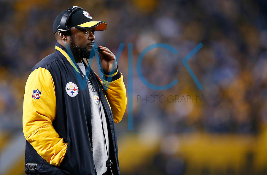 Head coach Mike Tomlin of the Pittsburgh Steelers looks on against the Indianapolis Colts during the game at Heinz Field on December 6, 2015 in Pittsburgh, Pennsylvania. (Photo by Jared Wickerham/DKPittsburghSports)