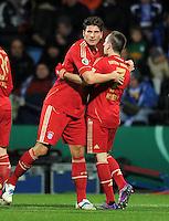 Fussball DFB Pokal:  Saison   2011/2012  Achtelfinale  20.12.2011 VfL Bochum - FC Bayern Muenchen  Mario Gomez , Franck Ribery  (v. li., FC Bayern Muenchen)