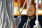 D&eacute;tails de bateaux classiques. WINCH, PULLEY, DECK, TECK : THE ART OF CLASSIC YACHTS- VOILIERS CLASSIQUE : DETAILS