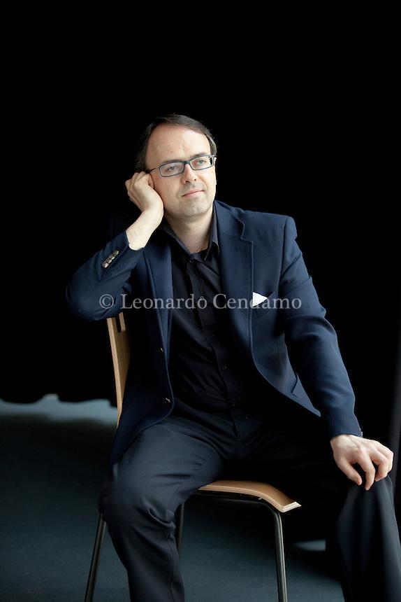 Daniele Piccini, italian poet and jornalist. Parma Poesia Festival. 2012. © Leonardo Cendamo