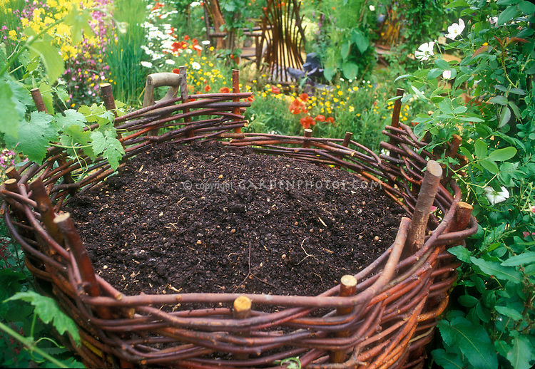 Compost Bin Designs For Your Home Garden Eartheasy Blog Compost