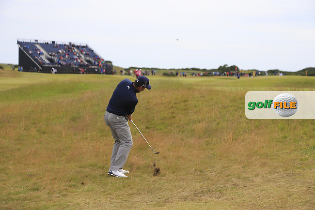 Gary WOODLAND (USA) chips into the 14th green during Monday's Final Round of the 144th Open Championship, St Andrews Old Course, St Andrews, Fife, Scotland. 20/07/2015.<br /> Picture Eoin Clarke, www.golffile.ie