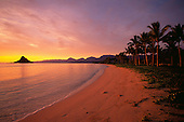 Sunrise, Chinaman's Hat, Kaneohe Bay, Kaneohe, Oahu, Hawaii, USA<br />