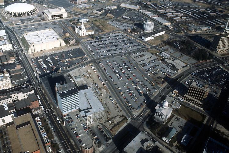 1986 January ..Redevelopment.Downtown North (R-8)..FUTURE MACARTHUR SITE.17 ACRES...NEG#.NRHA#..