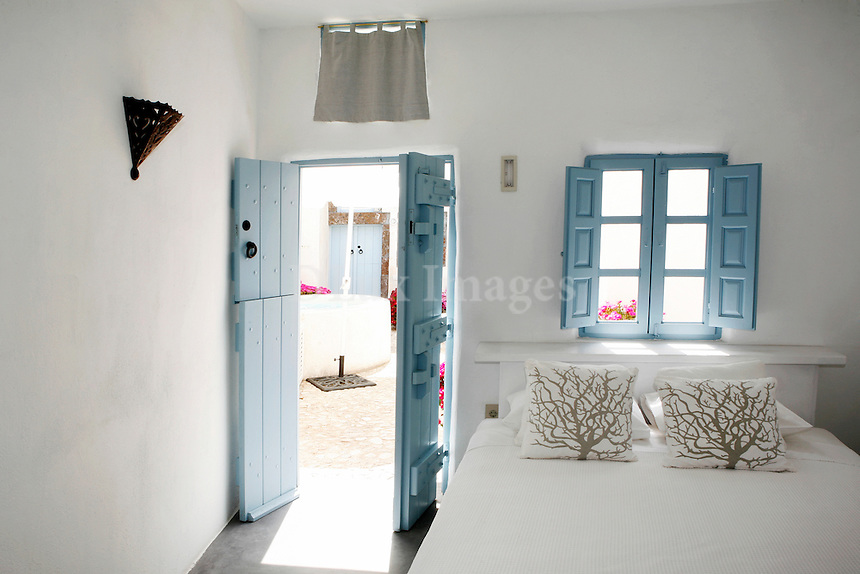 cycladic white bedroom