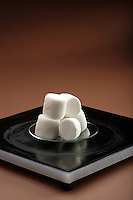 BOYLE'S MARSHMALLOWS<br /> The Inverse Relationship of Pressure &amp; Volume<br /> (1 of 3)<br /> Six marshmallows are placed in a transparent vacuum chamber to demonstrate Boyle's Law, P V = k (that the pressure of a system &amp; volume of gas is a constant value).