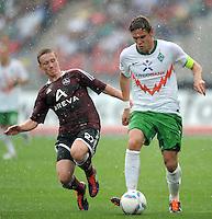 FUSSBALL   1. BUNDESLIGA  SAISON 2011/2012   6. Spieltag 1 FC Nuernberg - SV Werder Bremen         17.09.2011 Markus Mendler  (1 FC Nuernberg) gegen Clemens Fritz (re, SV Werder Bremen)