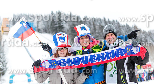 16.01.2016, Kulm, Bad Mitterndorf, AUT, FIS Skiflug WM, Kulm, im Bild Slowenische Fans // Slovenian Fans cheering during FIS Ski Flying World Championships at the Kulm in Bad Mitterndorf, Austria on 2016/01/16. EXPA Pictures © 2016, PhotoCredit: EXPA/ JFK