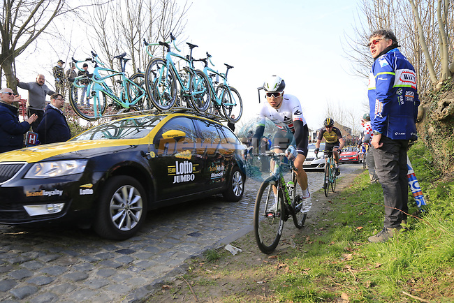 Edvald Boasson Hagen (NOR) Dimension Data climbs Oude Kwaremont during the 60th edition of the Record Bank E3 Harelbeke 2017, Flanders, Belgium. 24th March 2017.<br /> Picture: Eoin Clarke | Cyclefile<br /> <br /> <br /> All photos usage must carry mandatory copyright credit (&copy; Cyclefile | Eoin Clarke)