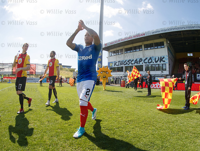 Kingsley running up behind James Tavernier