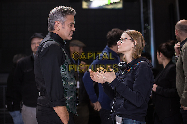 Money Monster (2016) <br /> George Clooney and Director Jodie Foster on the set of<br /> *Filmstill - Editorial Use Only*<br /> CAP/KFS<br /> Image supplied by Capital Pictures