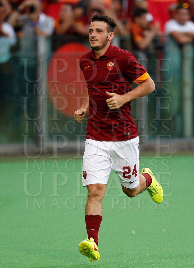 Calcio, amichevole Roma vs Fenerbahce. Roma, stadio Olimpico, 19 agosto 2014.<br /> Roma midfielder Alessandro Florenzi arrives for the team's presentation, prior to the friendly match between AS Roma and Fenerbahce at Rome's Olympic stadium, 19 August 2014.<br /> UPDATE IMAGES PRESS/Riccardo De Luca