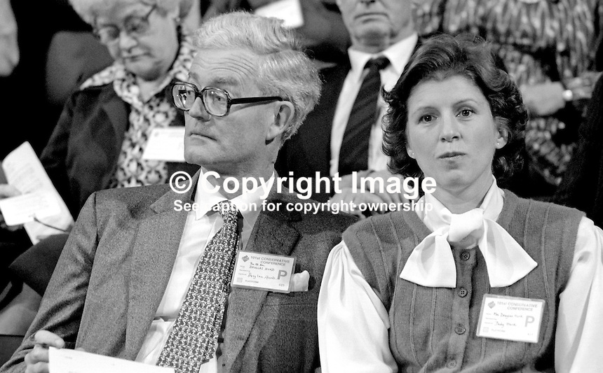 Douglas Hurd, MP, Conservative Party, UK, Secretary of State for N Ireland, with wife, Judy Hurd, at his party's annual conference, Brighton, 1984. 19840151DH6.<br />