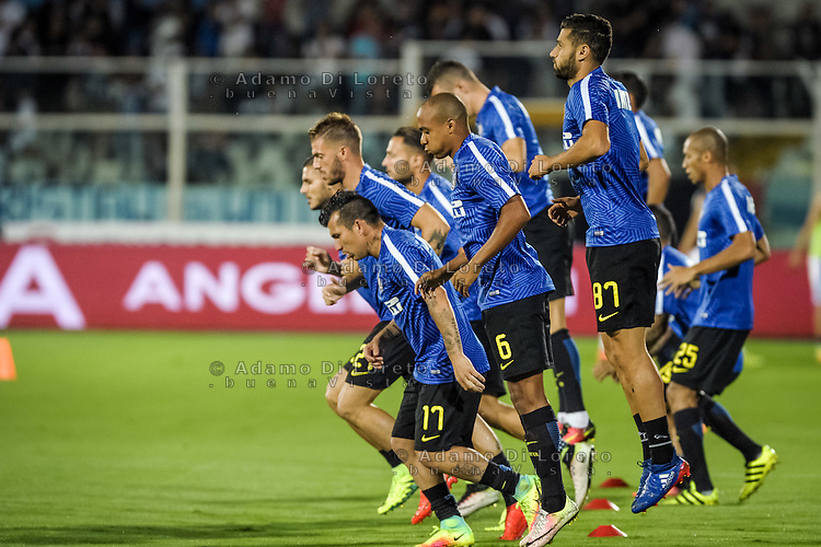 The Inter Team after the warm training during the Italian Serie A football match Pescara vs SSC Inter on September 11, 2016, in Pescara, Italy. Photo by Adamo DI LORETO