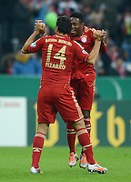 FUSSBALL  DFB POKAL       SAISON 2012/2013 FC Bayern Muenchen - 1 FC Kaiserslautern  31.10.2012 Jubel nach dem Tor zum 1:0 Claudio Pizarro und David Alaba (v. li., FC Bayern Muenchen)