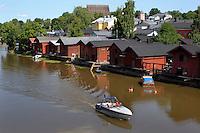 Porvoonjoki river e gli antichi magazzini di legno.<br /> Il fiume Porvoonjoki.<br /> Porvoo Borg&aring; &egrave; un&rsquo;antica citt&agrave; medievale dichiarata dall'UNESCO patrimonio dell'umanit&agrave;.<br /> Porvoo Borg&aring; is an old medieval town, UNESCO World Heritage Site.