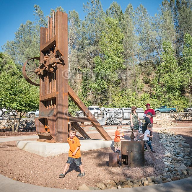 Dedication of the Miners Bend Park, Sutter Creek, Calif., by Native Sons of the Golden West and Sutter Creek Community Benefit Foundation.