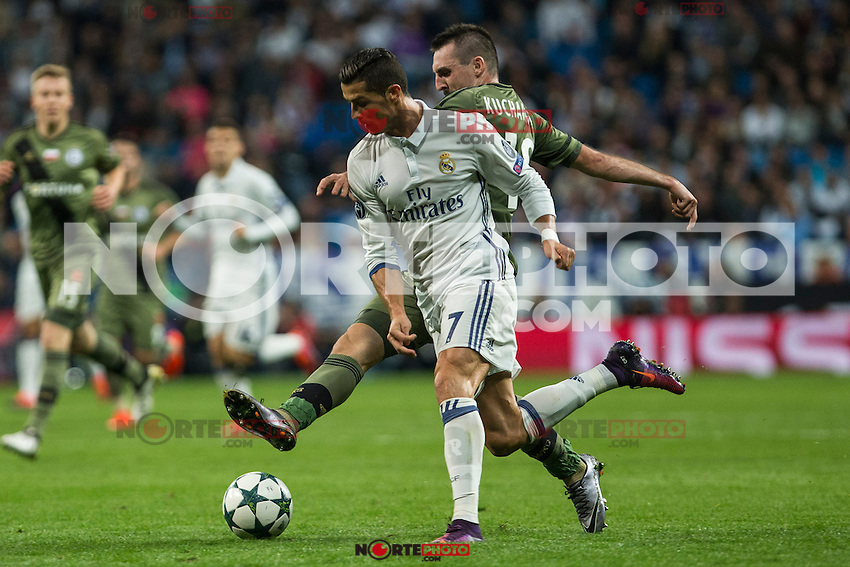 Legia Warszawa's Michal Kopczynski Real Madrid's Cristiano Ronaldo during the match of UEFA Champions League group stage between Real Madrid and Legia de Varsovia at Santiago Bernabeu Stadium in Madrid, Spain. October 18, 2016. (ALTERPHOTOS/Rodrigo Jimenez) /NORTEPHOTO.COM