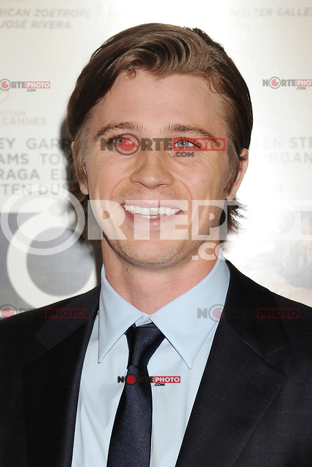 LOS ANGELES, CA - NOVEMBER 03: Garrett Hedlund  arrives at the 2012 AFI FEST - 'On The Road' Gala Screening at Grauman's Chinese Theatre on November 3, 2012 in Hollywood,PAP1112JP297..PAP1112JP297..