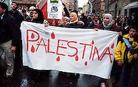 Roma 8 Novembre 2003.Manifestazione per la Palestina.Rome 2004.Demonstration for Palestine.