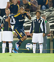 Galaxy forward Tristan Bowen (17) moves the ball up the pitch during the first half of the friendly game between LA Galaxy and Real Madrid at the Rose Bowl in Pasadena, CA, on August 7, 2010. LA Galaxy 2, Real Madrid 3.