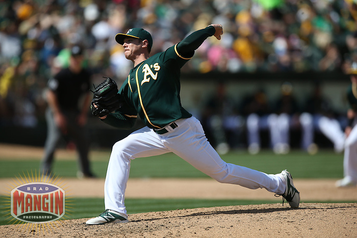 OAKLAND, CA - APRIL 19:  Scott Kazmir #26 of the Oakland Athletics pitches against the Houston Astros during the game at O.co Coliseum on Saturday, April 19, 2014 in Oakland, California. Photo by Brad Mangin